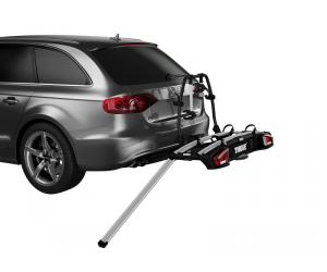 THULE SWEDEN Loading Ramp XT. Une rampe amovible et pratique vous permet de charger et décharger les vélos en toute simplicité.