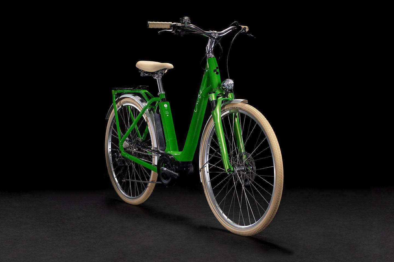 https://w8w5m3f8.stackpathcdn.com/21755/cube-ella-ride-hybrid-rednwhite-easy-entry-cm.jpg
