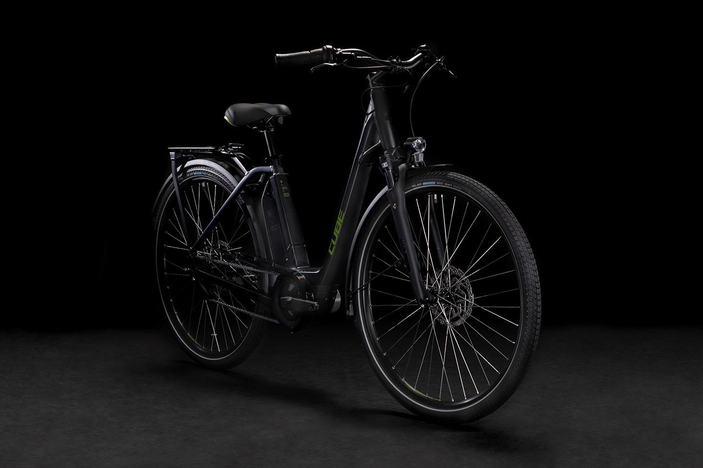 https://w8w5m3f8.stackpathcdn.com/21815/cube-town-sport-hybrid-one-iridiumngrey-easy-entry-xs-cm.jpg