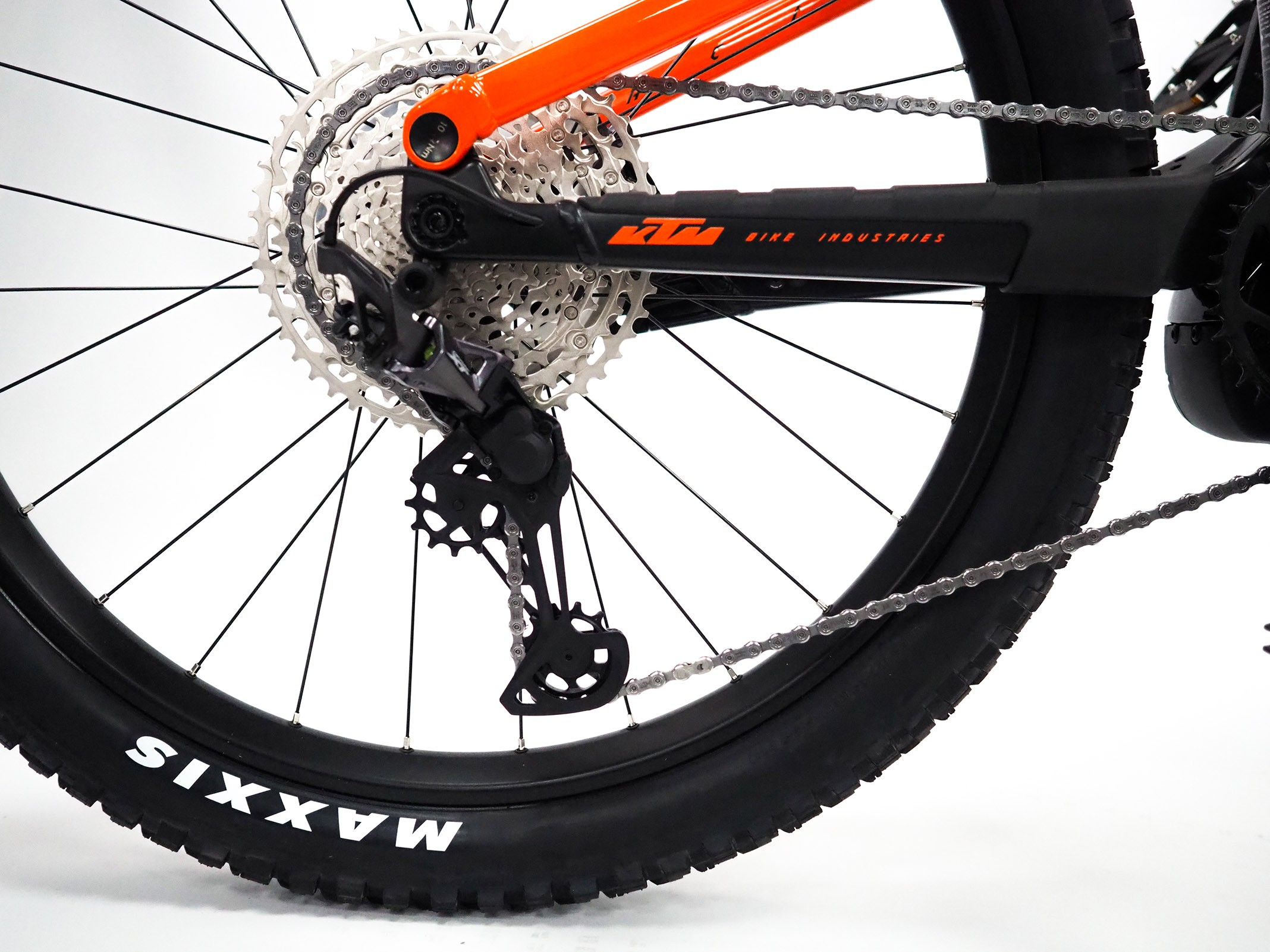 https://w8w5m3f8.stackpathcdn.com/22828-thickbox_extralarge/vtt-electrique-ktm-macina-prowler-master.jpg